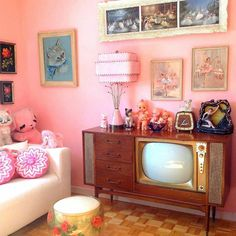 "Unique boutique of cuteness on Instagram: ""One of my #faves for #friday! The #amazing home of @jackieetjohn . . #pink #midcenturyhome #50s #kitsch #vintagehome #retrohome…"""