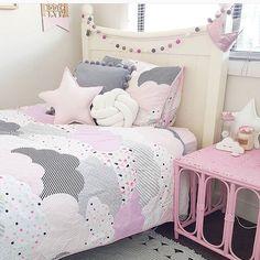 "35 kedvelés, 2 hozzászólás – Kids Interior Design Inspo (@rhysie_roo) Instagram-hozzászólása: ""This pink, white and grey room is a great colour scheme for a girls bedroom. Love the use of the…"""