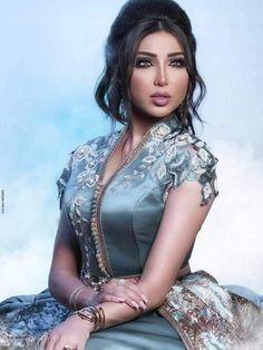 Kaftan made out for green Valantino fabric with handmade embroidery  Abaya Fashion, Fashion Dresses, Fashion Top, Caftan Gallery, Moroccan Caftan, Caftan Dress, Dress Skirt, Rockabilly Fashion, Satin Dresses