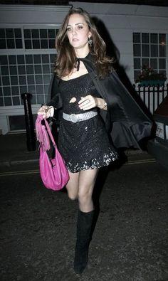 Kate Middleton Pregnant, Kate Middleton Style, Pippa Middleton, Middleton Family, Princesse Kate Middleton, Celebrity Halloween Costumes, Halloween Eve, Halloween Dress, Princesa Kate