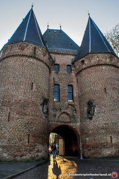 Koornmarktspoort Kampen (1337) Medieval Town, Barcelona Cathedral, Netherlands, Holland, Dutch, Forts, Explore, Mansions, Country