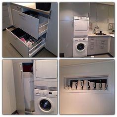 E så vanvittig fornøyde me okka nya vaskerom 🤗 å glube løysninga 👍🏻 Skittentøy i skoffe, og varmtvanstanken i høgskap. Godt å gjørma alt rode. Stacked Washer Dryer, Washer And Dryer, Laundry, Home Appliances, Instagram Posts, Laundry Room, House Appliances, Washing And Drying Machine, Appliances
