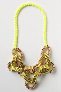 Anthropologie's Crepe Chain Neon necklace Diy Jewelry, Jewelry Box, Jewelery, Jewelry Bracelets, Jewelry Accessories, Jewelry Design, Fashion Jewelry, Neon Jewelry, Paper Jewelry