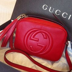 Gucci shoulder bag red #michaelkors #relogiosmichaelkors #louisviutton #storelatinabrasil #storelatina