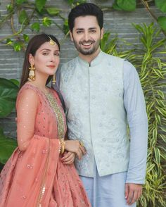 Awesome Eid Photos of Ayeza Khan and Danish Taimoor with their Kids Pakistani Wedding Outfits, Indian Bridal Outfits, Indian Designer Outfits, Pakistani Dresses, Ayeza Khan Wedding, Love Couple Photo, Shadi Dresses, Wedding Couple Poses Photography, Stylish Dresses For Girls