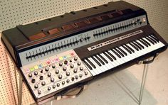 The way-too-ahead-of-its-time RMI Harmonic Synthesizer