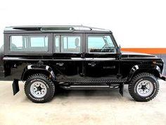 Land Rover : Defender 110 Station Wagon