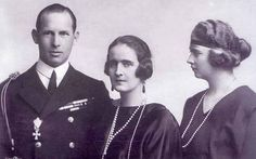 Crown Prince George and Crown Princess Elisabeth of Greece, later Kings of The Hellenes with H. Rose Kennedy, Caroline Kennedy, Kennedy Jr, Daphne Guinness, Alec Guinness, The Purple, Isabella Blow, Peggy Guggenheim, Stella Tennant