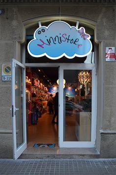 Echa un vistazo a través de esta puerta al mundo mágico de Minnistore. Neon Signs, Ideas, Thoughts