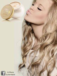 MASCARILLA NUTRITIVA PARA EL CABELLO MILK & HONEY GOLD  -Restaura al instante el brillo capilar -Los extractos orgánicos de leche y miel le brindan suavidad, nutrición y brillo a tu cabello y a tu piel. -89% de eficiencia (Estudio realizado a 54 mujeres en combinación con el shampoo Nutritivo)