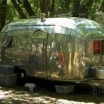 Ideas Repair Small Campers Classic Travel Trailer, If you're going to be residing in your camper fulltime, then you want to be certain that you track down an RV that's right for your lifestyle and your..., #campers #classic #ideas #repair #small #trailer #travel Little Campers, Small Campers, Rv Campers, Camper Trailers, Travel Trailers, Slide In Camper, Travel Camper, Horse Trailers, Rv Living