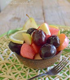 Macedonia estiva con anguria e frutta fresca