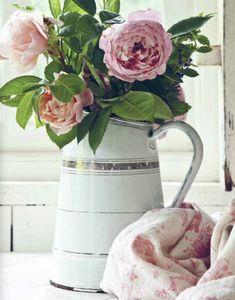 flowers.quenalbertini: Flowers in vase