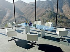 Schön Chic Dining Set Design By Roche Bobois   Modern House Furnitures