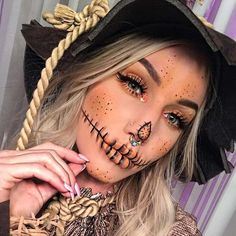 Pretty Scarecrow Makeup Idea for HalloweenYou can find Halloween makeup looks and more on our website.Pretty Scarecrow Makeup Idea for Halloween Halloween 2018, Halloween Costumes Scarecrow, Creepy Halloween Makeup, Scarecrow Makeup, Halloween Makeup Looks, Halloween Ideas, Halloween Halloween, Zombie Makeup, Halloween Photos