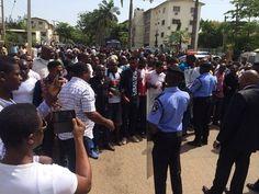 Mabel Naija's Blog (MNB)                                                      : NEWS: Pro Biafra Supporters Storm Abuja Court