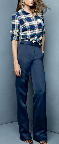 Wide leg trousers. Love the shirt and shoes!