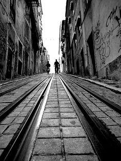 Lisboa - Calhariz-Lisboa / walking along tram line 28