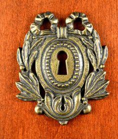 "Antique Keeler Brass KBC A5444 Ornate Keyhole ESCUTCHEON Bow 2 3/8"" x 3"" HEAVY #KeelerBrassCompany"