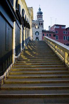 Rialto bridge, Venice fai questa scalinata e ti ritrovi in paradiso........*silva*