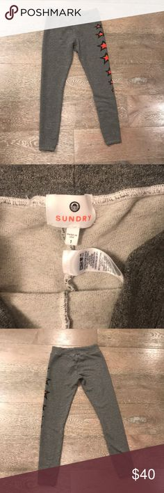 Sundry Skinny Star Sweatpants - size 1/Small Worn once. Sundry's signature yoga pant features an ultra soft fleece fabrication, star graphics along the sides, and a slim fitting body style with elastic waistband. Made in USA Hand Wash Cotton Blend Sundry Pants Track Pants & Joggers
