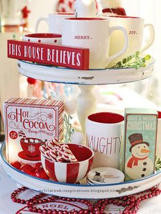 Another Christmas right around the corner, so that means setting up the hot cocoa bar again! I love how having one of these looks so fest. Merry Little Christmas, All Things Christmas, Winter Christmas, Gingerbread Christmas Decor, Christmas Decorations, Christmas Kitchen, Country Christmas, Cozy Winter, Winter Time