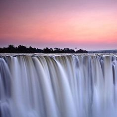 Experience the dream that is the Victoria Falls at sunrise.  #ilalalodge…