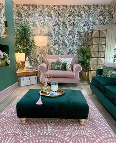 Living Room Green, Home Living Room, Living Room Decor, Bedroom Decor, Home Room Design, Home Interior Design, Living Room Designs, House Design, Decoration Chic