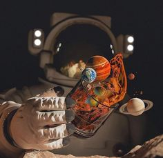 Space Trips - Don't' be afraid to explore the Universe! Wallpaper World, Galaxy Wallpaper, Astronaut Wallpaper, Space Artwork, Space Space, Astronauts In Space, Applis Photo, Retro Futurism, Outer Space