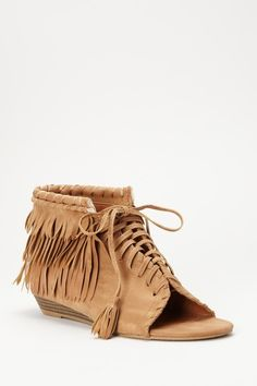 TO DIE FOR! Absolutley great in Camel for only......15 dollars @ hautelook.com!