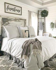 34 Beautiful Farmhouse Bedroom Design Ideas Match For Any Home Design - Trendehouse Farmhouse Master Bedroom, Cozy Bedroom, Home Decor Bedroom, Bedroom Furniture, Bedroom Ideas, Bedroom Designs, Bedding Decor, Bedroom Curtains, Farmhouse Headboards