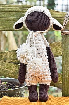 LUPO the lamb made by Alpacaca / crochet pattern by lalylala
