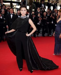 Li-Yuchun-Stéphane-Rolland-Couture-'Clouds-Of-Sils-Maria'-2014-Cannes-Film-Festival-Premiere2