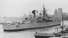 HMAS Swan, River-class destroyer escort of the Royal Australian Navy (RAN) arriving in Shanghai, China. built in Williamstown dockyards. Naval History, Us History, Australian Defence Force, Royal Australian Navy, Rule Britannia, Floating In Water, Armada, Navy Ships, Aircraft Carrier
