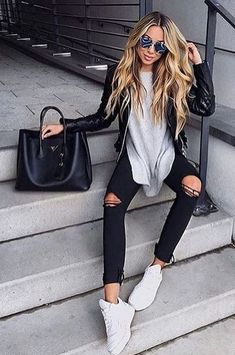 Summer Look - Latest Casual Fashion Arrivals. The Best of clothes in 2017 Perfect Summer Look - Latest Casual Fashion Arrivals. The Best of clothes in Summer Look - Latest Casual Fashion Arrivals. The Best of clothes in Fashion 2017, Look Fashion, Autumn Fashion, Fashion Outfits, Womens Fashion, Fashion Trends, Fashion Spring, 80s Fashion, Fashion Ideas
