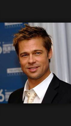 And why Brad Pitt net worth is so massive? Brad Pitt net worth is definitely at the very top level among other celebrities, yet why? Oklahoma, Johnny Depp, Thelma Et Louise, Famous Atheists, Kate Hudson, Brad Pitt And Angelina Jolie, Brad Pitt Hair, Little Buddha, Actrices Hollywood