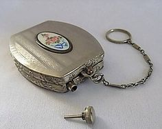 Perfume And Powder Dance Compact, Extremely Rare Finger Ring Art Deco Powder Compact With Integral