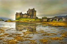 eileen donan castle    For the most comprehensive guide to tourist attractions in the UK, see http://www.ukattraction.com