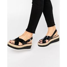 Pull&Bear Platform Sandal (68 CAD) ❤ liked on Polyvore featuring shoes, sandals, black, black wedge shoes, wedge sandals, woven wedge sandals, platform shoes and wedge heel sandals