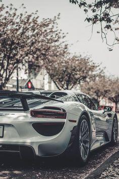 Awesome Porsche 2017: Porsche 918... Porsche 918 Spyder Check more at http://carsboard.pro/2017/2017/01/14/porsche-2017-porsche-918-porsche-918-spyder/