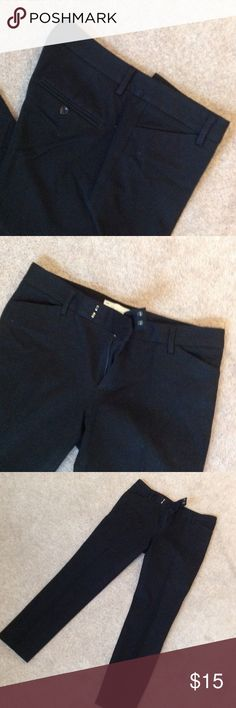 Black gap slim cropped pants 26 inch inseam. 95% cotton 5% spandex GAP Pants Ankle & Cropped