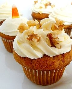 Pumpkin Spice Cupcakes with Cream Cheese Buttercream Frosting www ...