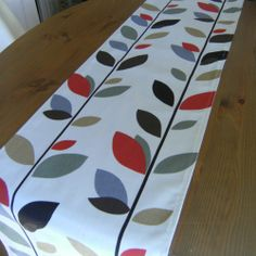 Table Runner Evergreen Cinnamon Fabric Modern Leaves - Lined & Topstitched