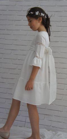 Vestido de comunión corto http://www.eldesvandenoelia.com/comunión/