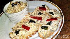 Nátierka z dubákov - Sefkuchari. Muffin, Cheese, Breakfast, Food, Morning Coffee, Essen, Muffins, Meals, Cupcakes