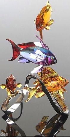 Swarovski Crystal Figurines, Swarovski Jewelry, Swarovski Crystals, Glass Figurines, Glass Animals, Stained Glass Art, Novelty Gifts, Cut Glass, Colored Glass