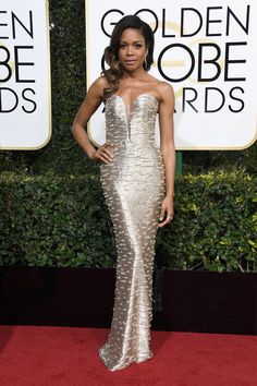 Naomie Harris in Armani Prive on the red carpet at the 2017 Golden Globes