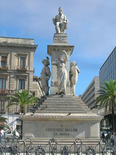 Catania: Stesichorus Square and Bellini's Monument