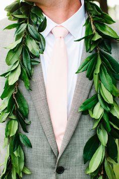 Beautifully Detailed Hawaii Wedding - MODwedding
