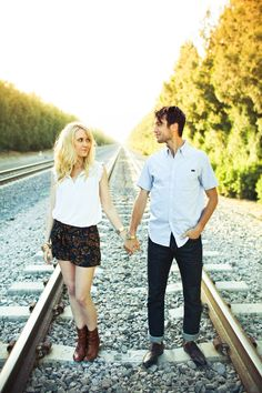 Shannen Norman, Lovisa Photo, railroad engagement session ideas, boho, hipster, adventure, edgy style, sunshine